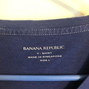 "Banana Republic Shirts - 🔴T-Shirt ""L"""